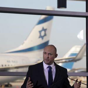 Naftali Bennett, Ministerpräsident von Israel, appellierte an seine Landsleute, derzeit nicht ins Ausland zu reisen.
