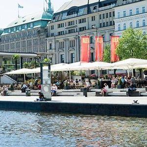 Der Jungfernstieg in Hamburg