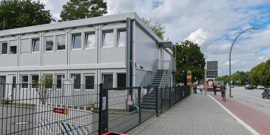 Die Notunterkunft in der Kollaustraße in Lokstedt, Hamburg