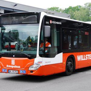 Der MOPO-Bus fährt künftig durch Hamburgs Straßen.