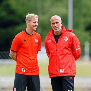 Timo Schultz (l.) und Michael Frontzeck