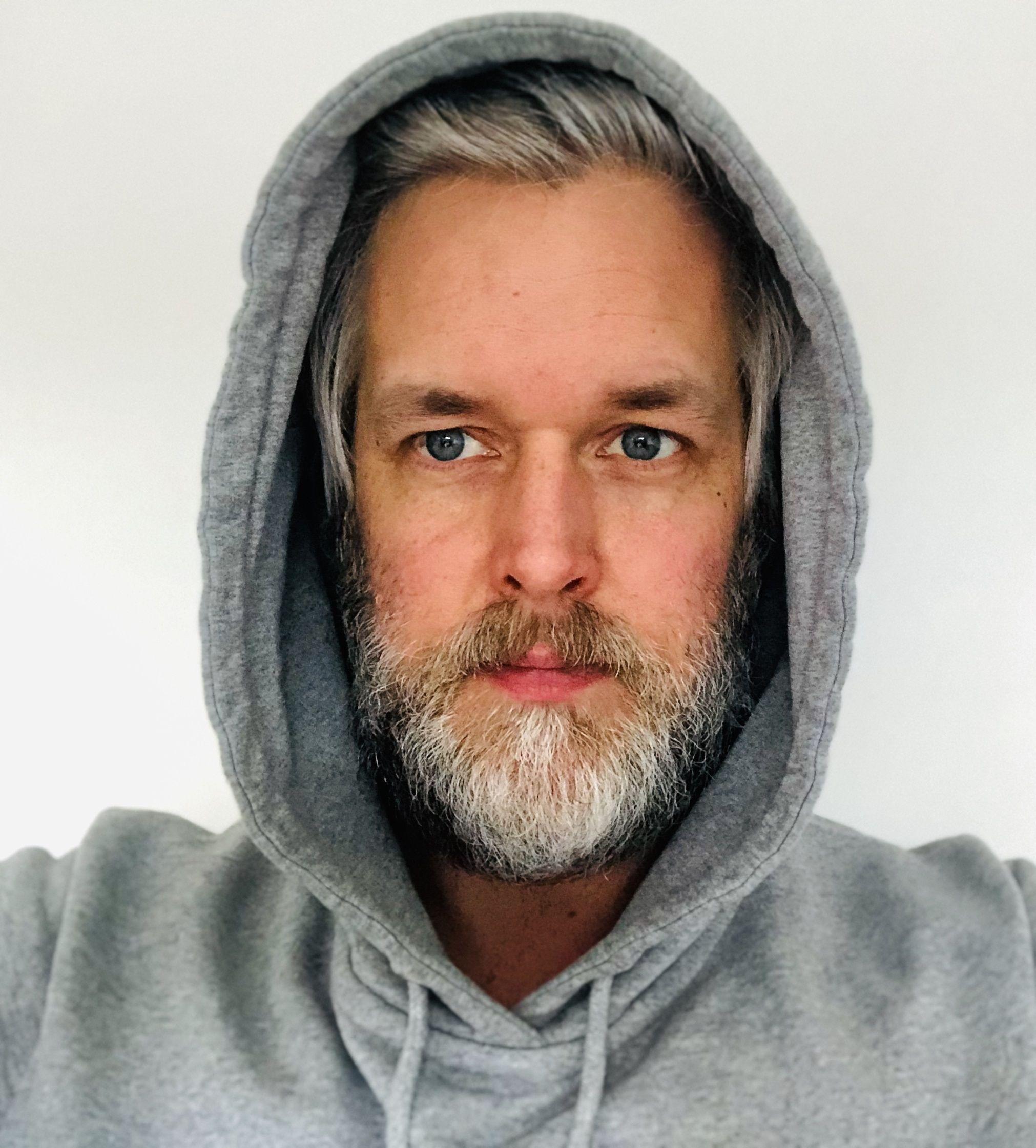 Marc Thoben in seinem Hoodie