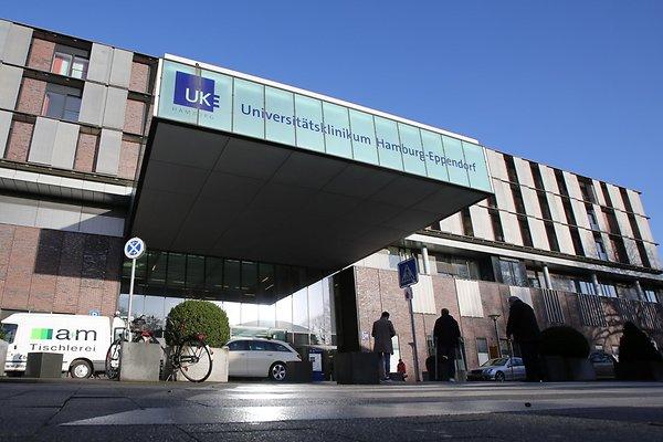Der Haupteingang vom Universitätsklinikum Eppendorf.