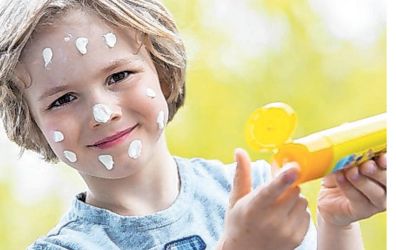 Den Sonnenschutz gerade bei Kindern nicht vergessen.