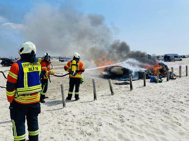Brennender Wohnwagen am Ordinger Strand