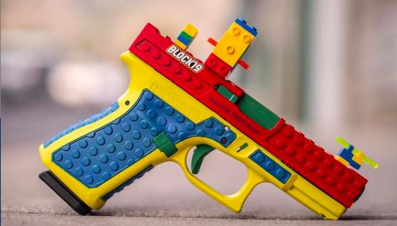 Mit dieser Waffe im Lego-Look hat sich die Firma Culper Precision mächtig Ärger eingehandelt.