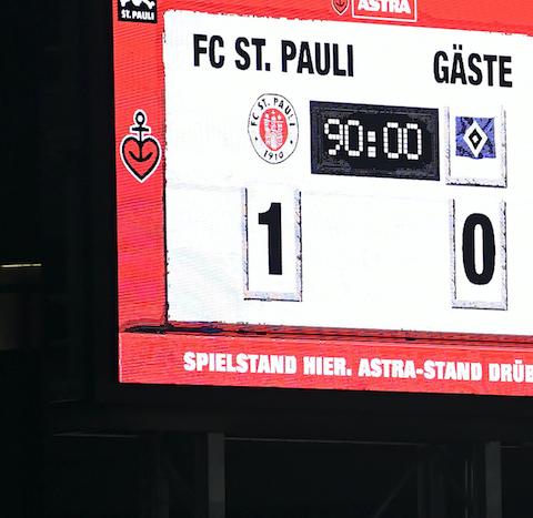 Anzeigetafel St. Pauli HSV