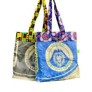Einkaufstaschen hergestellt aus alten Zemtsäcken - Lionbags aus Afrika