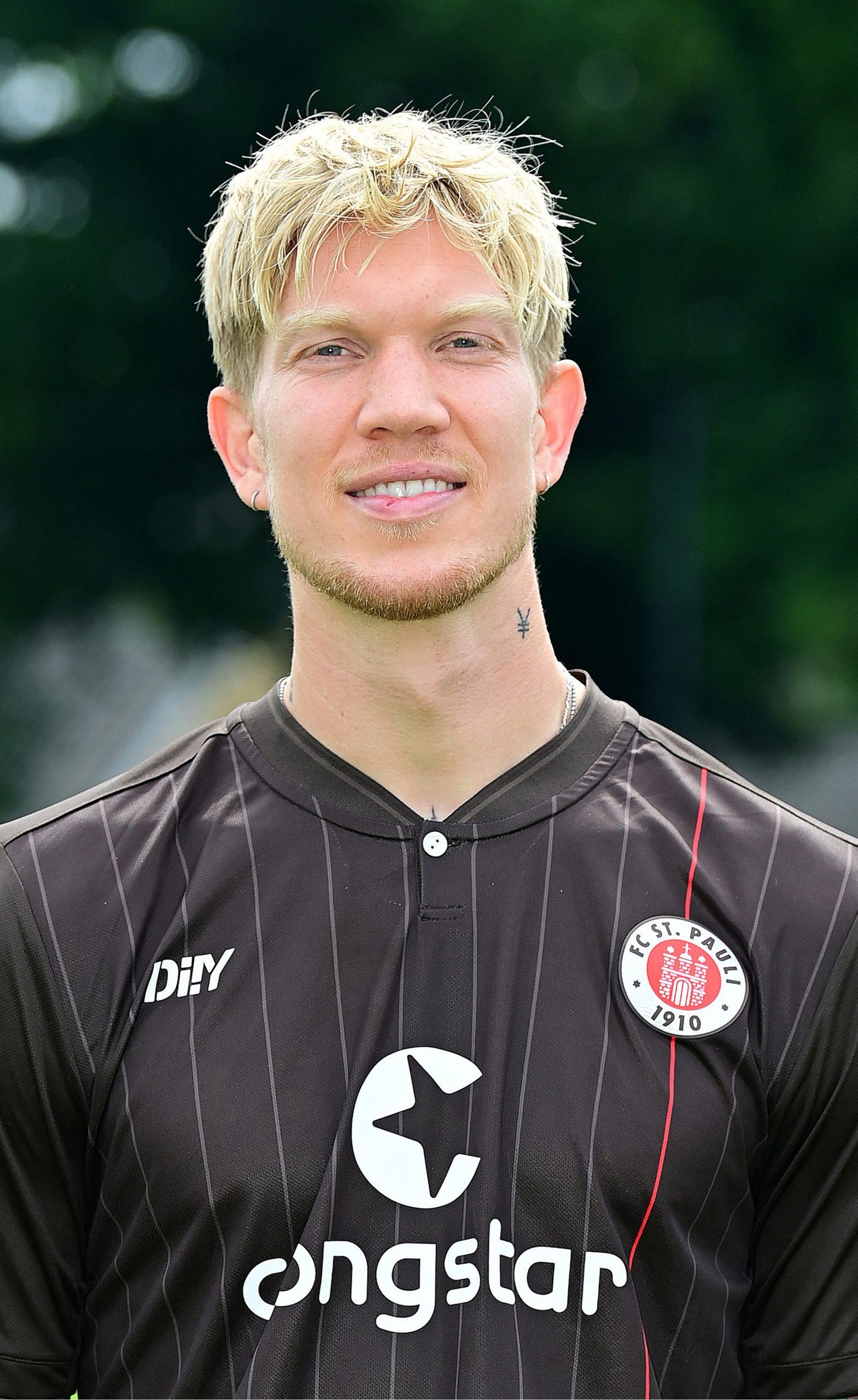 FC St. Pauli Simon Makienok