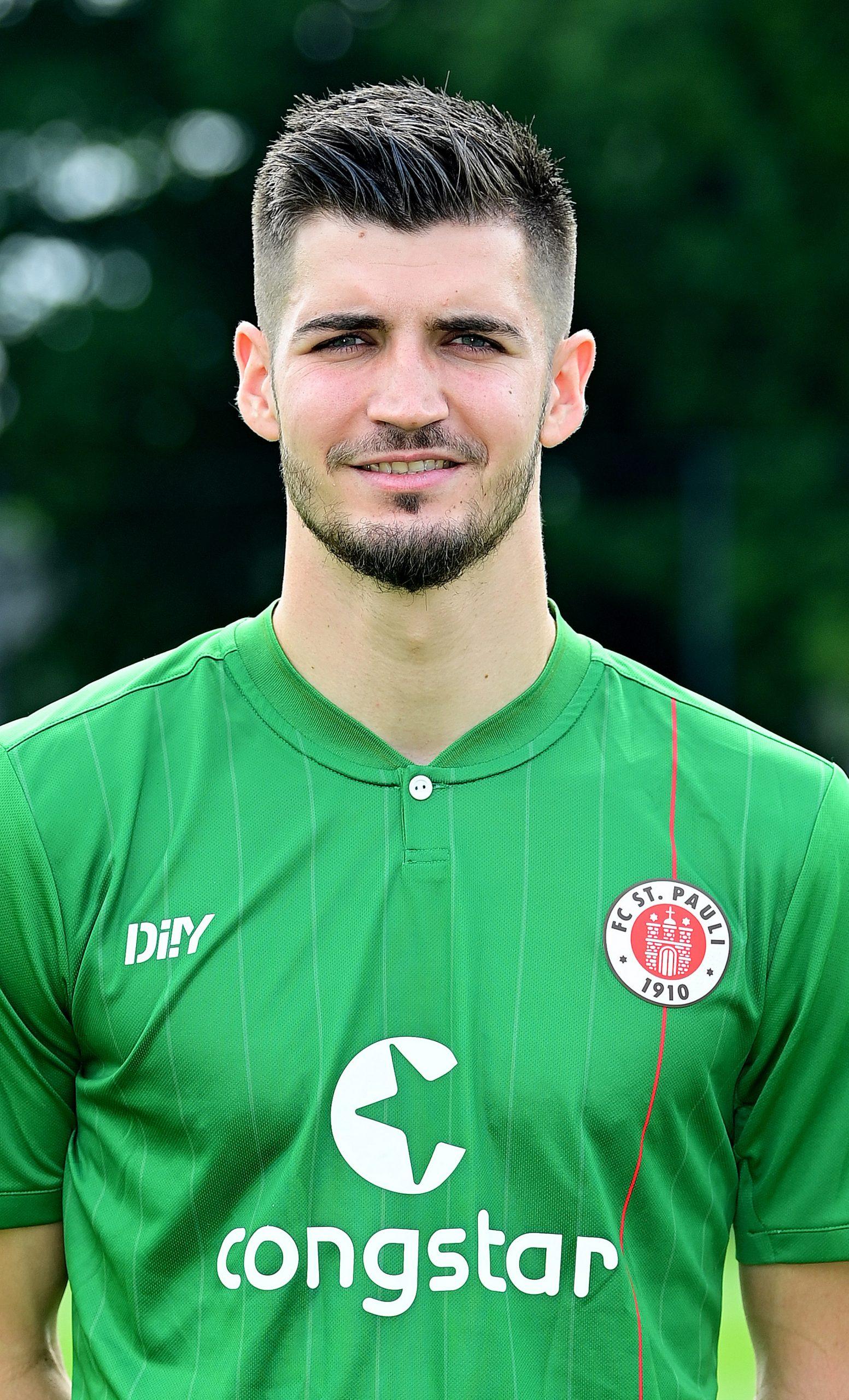 FC St. Pauli Nikola Vasilj