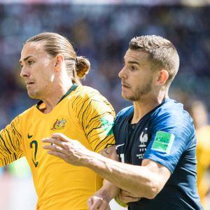 Duell gegen den späteren Weltmeister: Jackson Irvine bei der WM 2018 gegen Bayerns Franzosen Lucas Hernandez