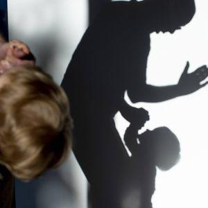 In Hamburg wurden im Jahr 2020 deutlich mehr Verfahren wegen Kindeswohlgefährdung eingeleitet. (Symbolbild)
