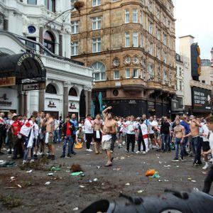 Die vornehmlich britischen Fans hinterließen vor dem Finale viel Müll auf den Straßen Londons.