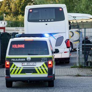 Busse mit aus Kabul geretteten Afghanen treffen am 20. August 2021 in der Erstaufnahmeeinrichtung in Hamburg-Rahlstedt ein.
