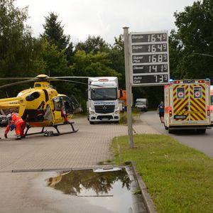Bei dem Unfall nahe Hamburg wurde eine 24-jährige Büchnerin schwer verletzt.
