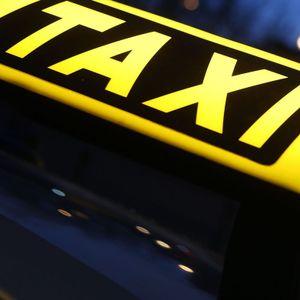 Nach einer Schlägerei in Lüneburg kam es zu einer ungewöhnlichen Taxifahrt (Symbolbild).