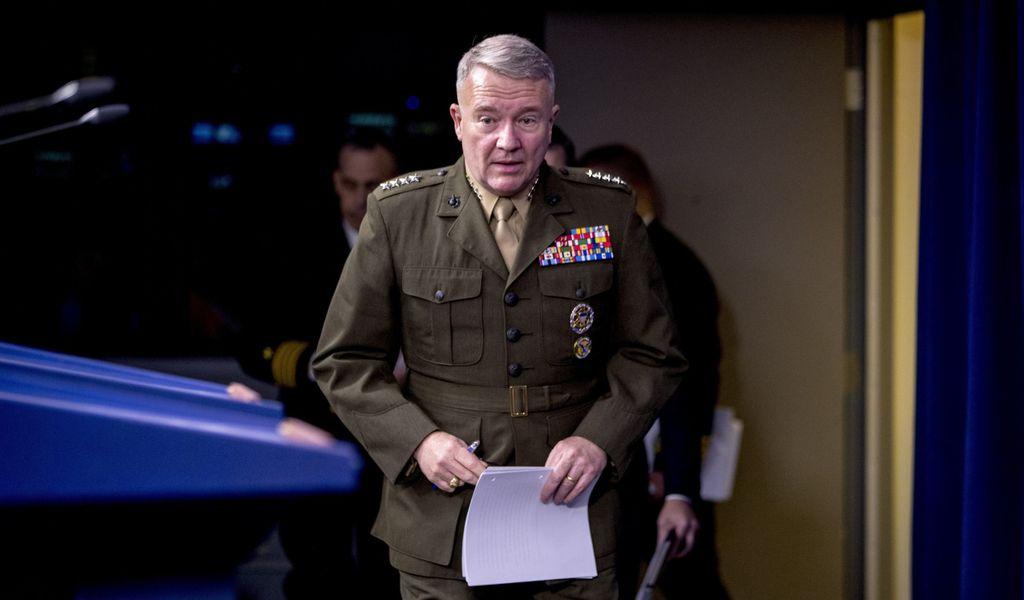 Der U.S. General Kenneth McKenzie bei einer Pressekonferenz 2019.