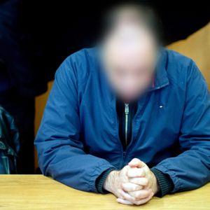Der ehemaliger Geschäftsführer des Arbeiter-Samariter-Bundes (ASB) in Hannover sitzt 2019 in einem Gerichtssaal im Landgericht Hildesheim. (Archivfoto)