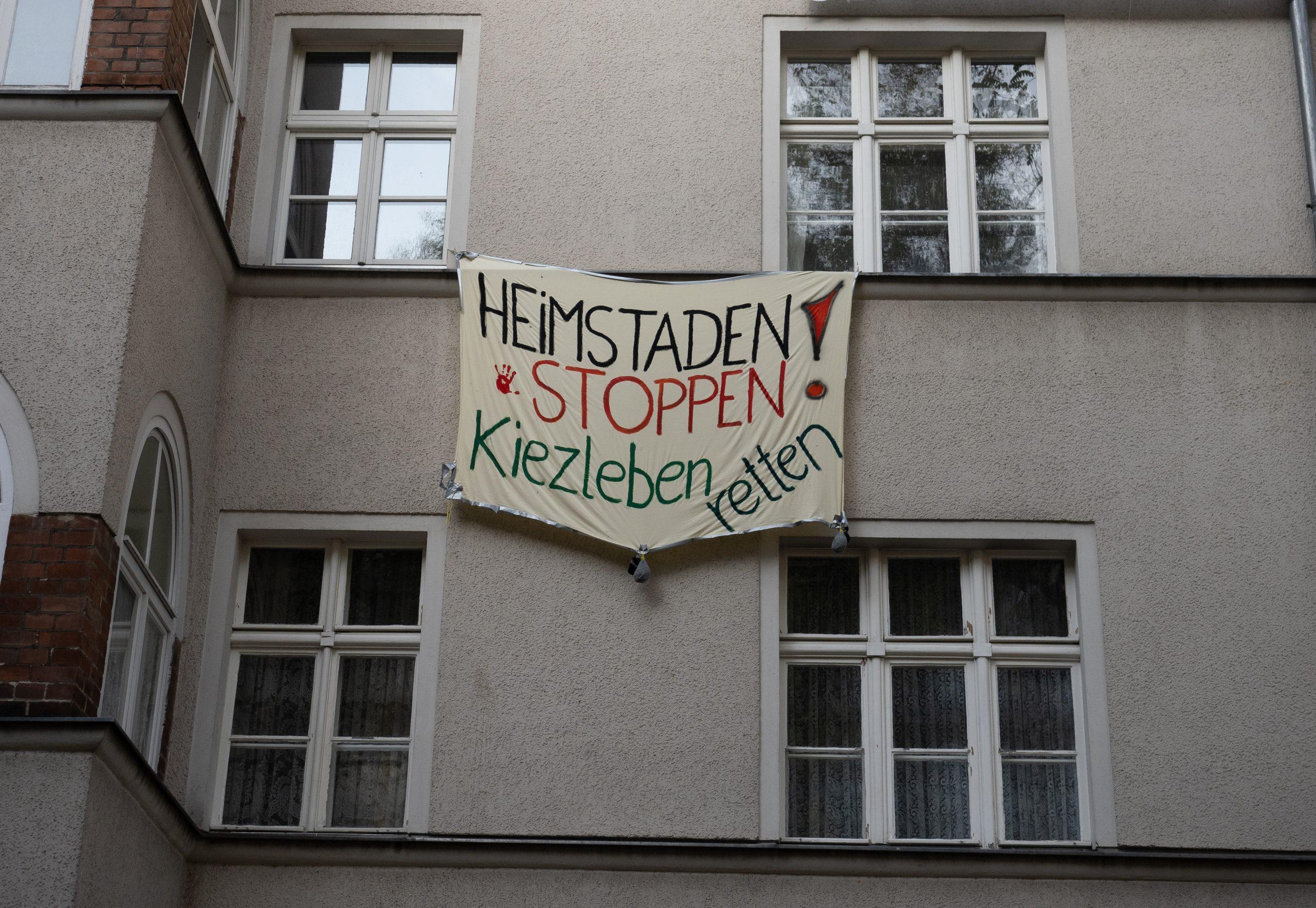 In Berlin protestierten bereits 2020 zahlreiche Mieter gegen die Übernahme verschiedener Häuser durch den schwedischen Investor Heimstaden.