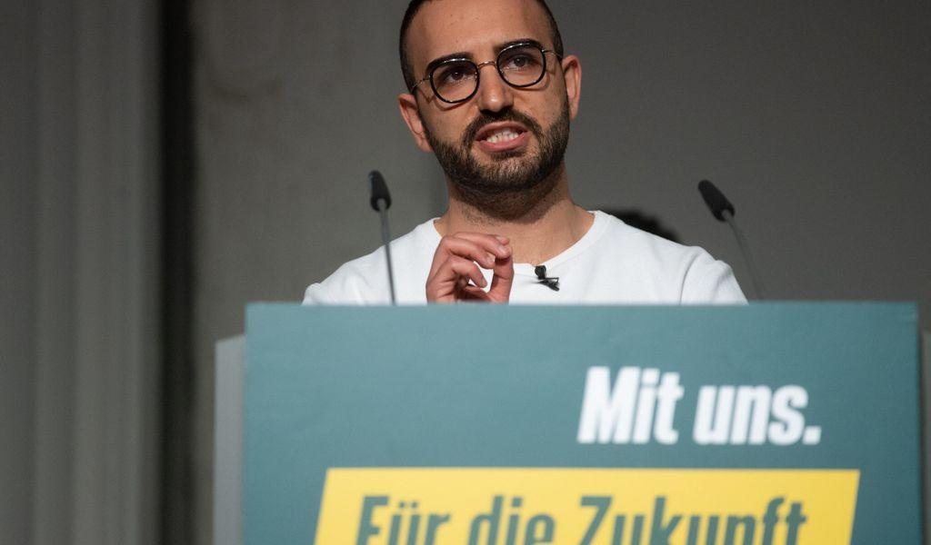 Kassem Taher Saleh wurde 1993 im Nordirak geboren und zieht nun für die Grünen in den Bundestag ein.