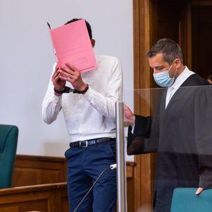 Der Angeklagte Ende Juni im Gerichtssaal in Lüneburg.