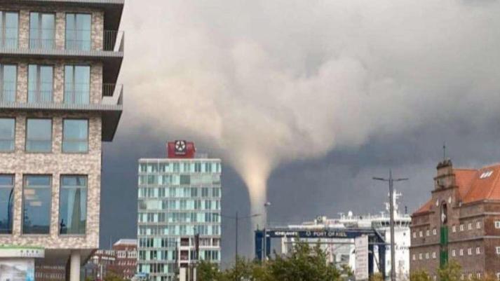 Tornado über Kiel