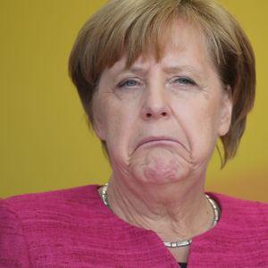 Angela Merkel verzieht den Mund