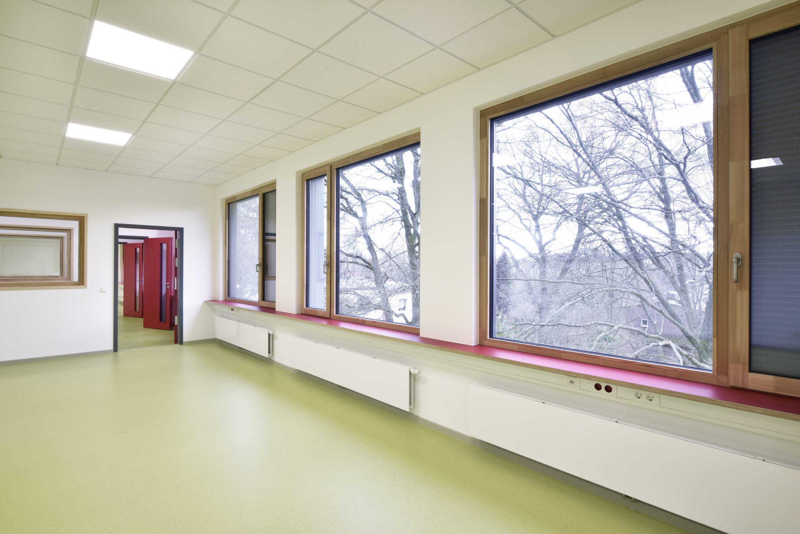 Das Klassenhaus von innen: So sieht es im neuen Gebäude der Grundschule am Kiefernberg aus.