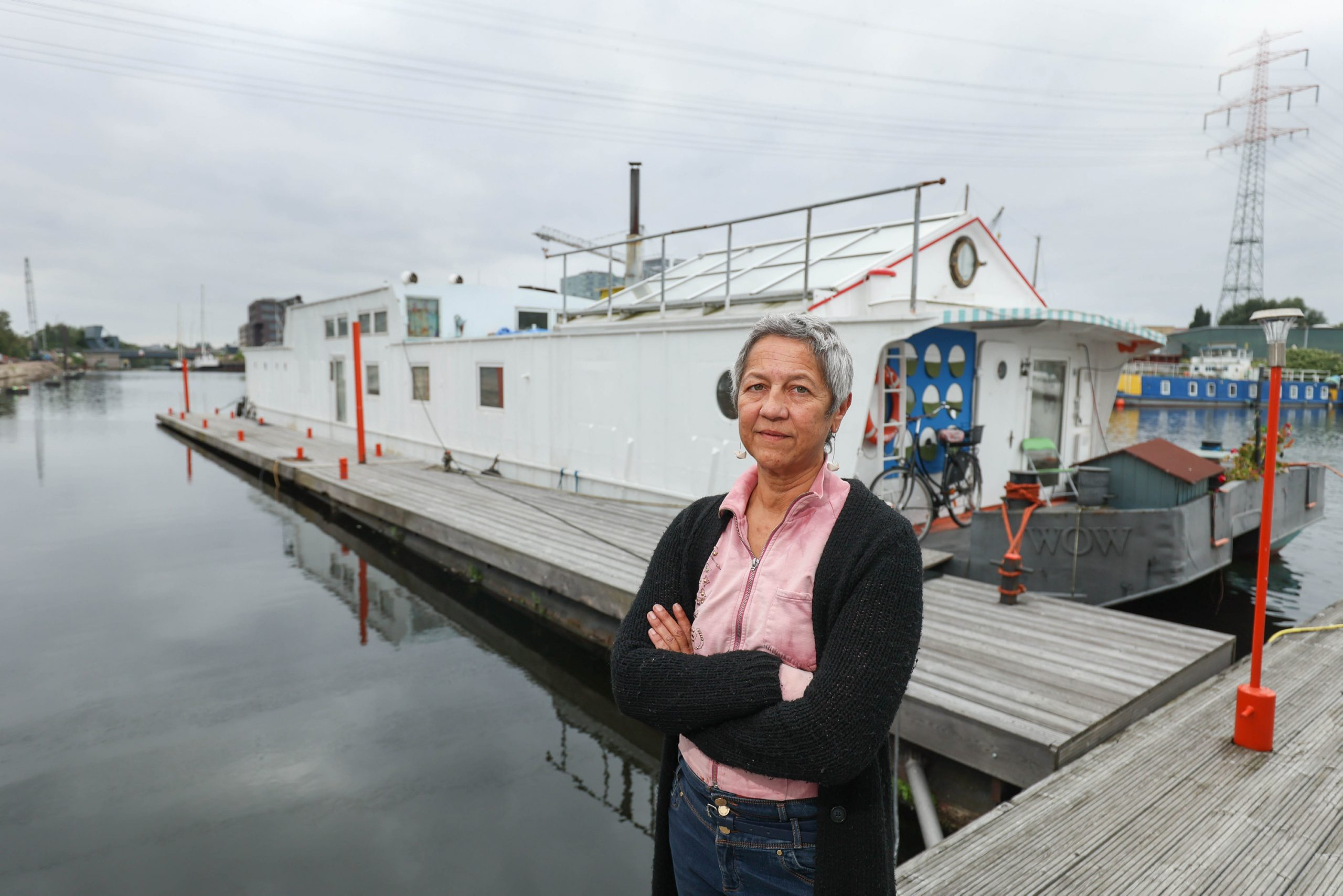 Hamburg kündigt Liegeplatz – Hausboot muss weg, aber wohin?