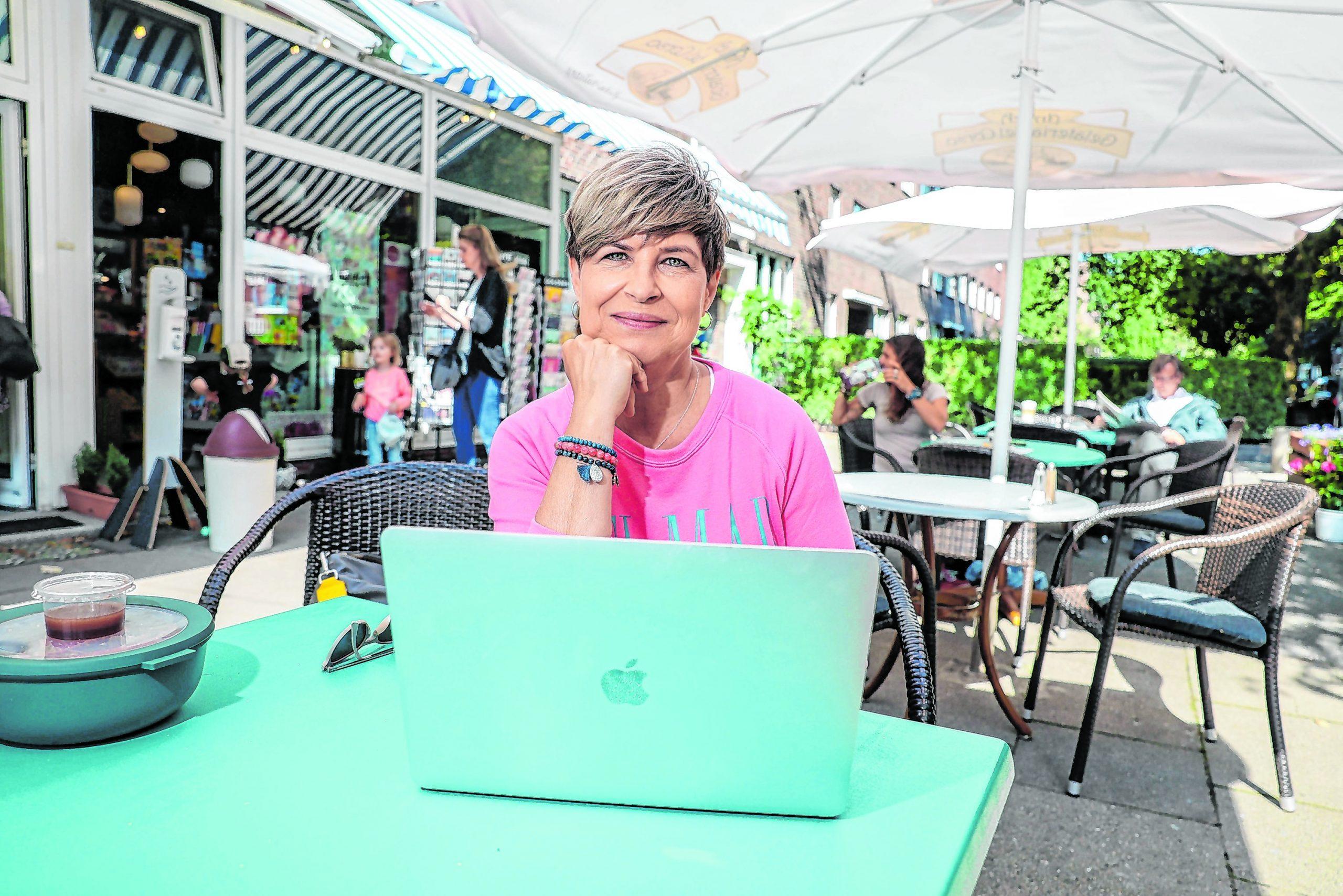 Barbara Lüsebrink (57) aus Winterhude.