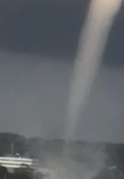 Der Tornado am 29. September 2021 über Kiel überraschte mehrere Personen auf einem Bootssteg.