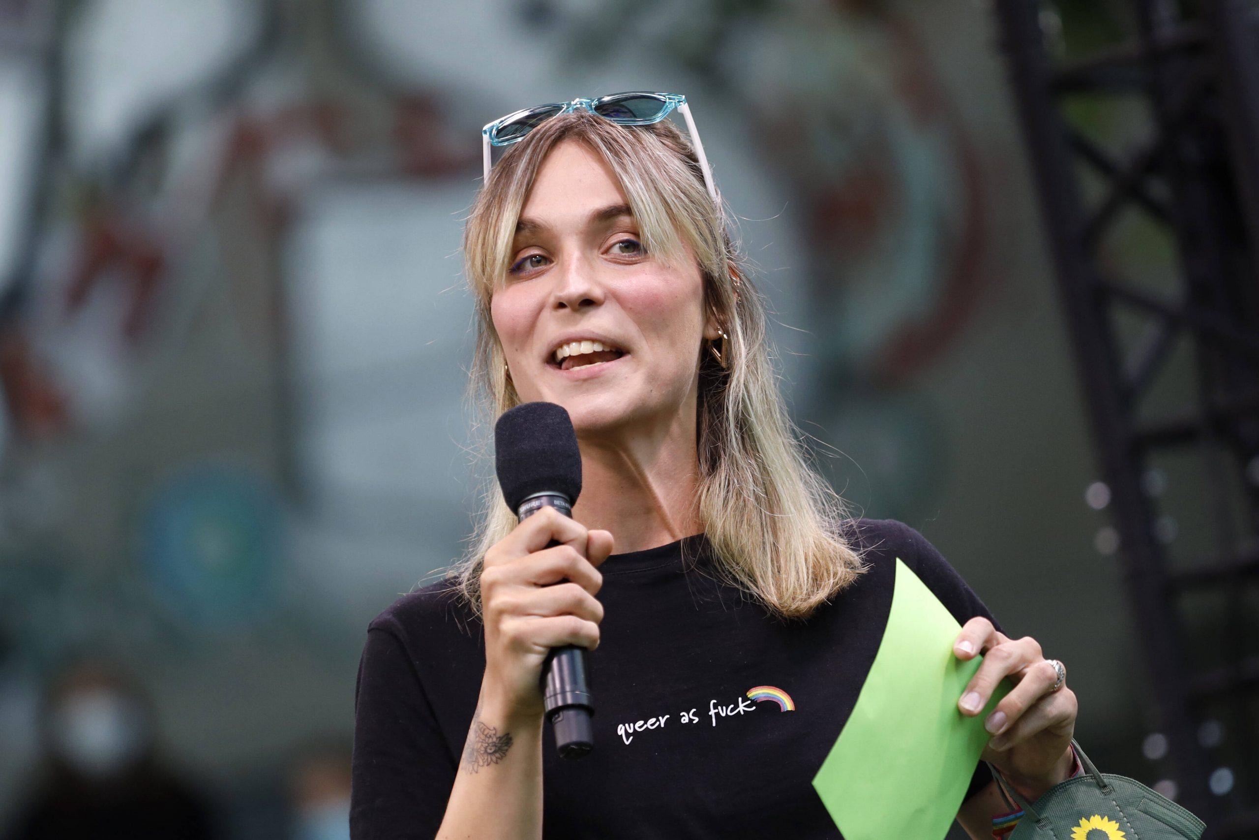 Nyke Slawik bei einer Wahlkampfveranstaltung von Bündnis 90/Die Grünen in Köln.