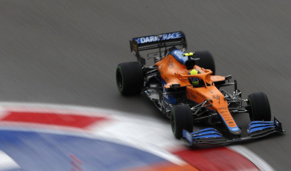 McLaren-Pilot Lando Norris darf sich über die Pole-Position am Sonntag in Sotschi freuen