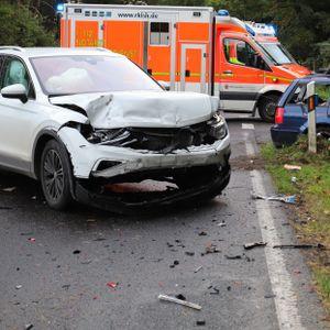 Beim Abbiegen übersah eine 78-jährige einen entgegenkommenden Wagen und verursachte so den Unfall.