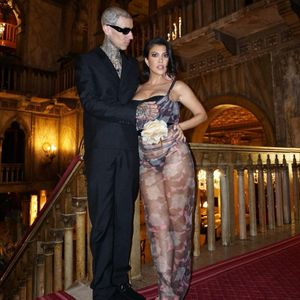 Frisch verlobt! Drummer Travis Barker (45) und Kourtney Kardashian (42).