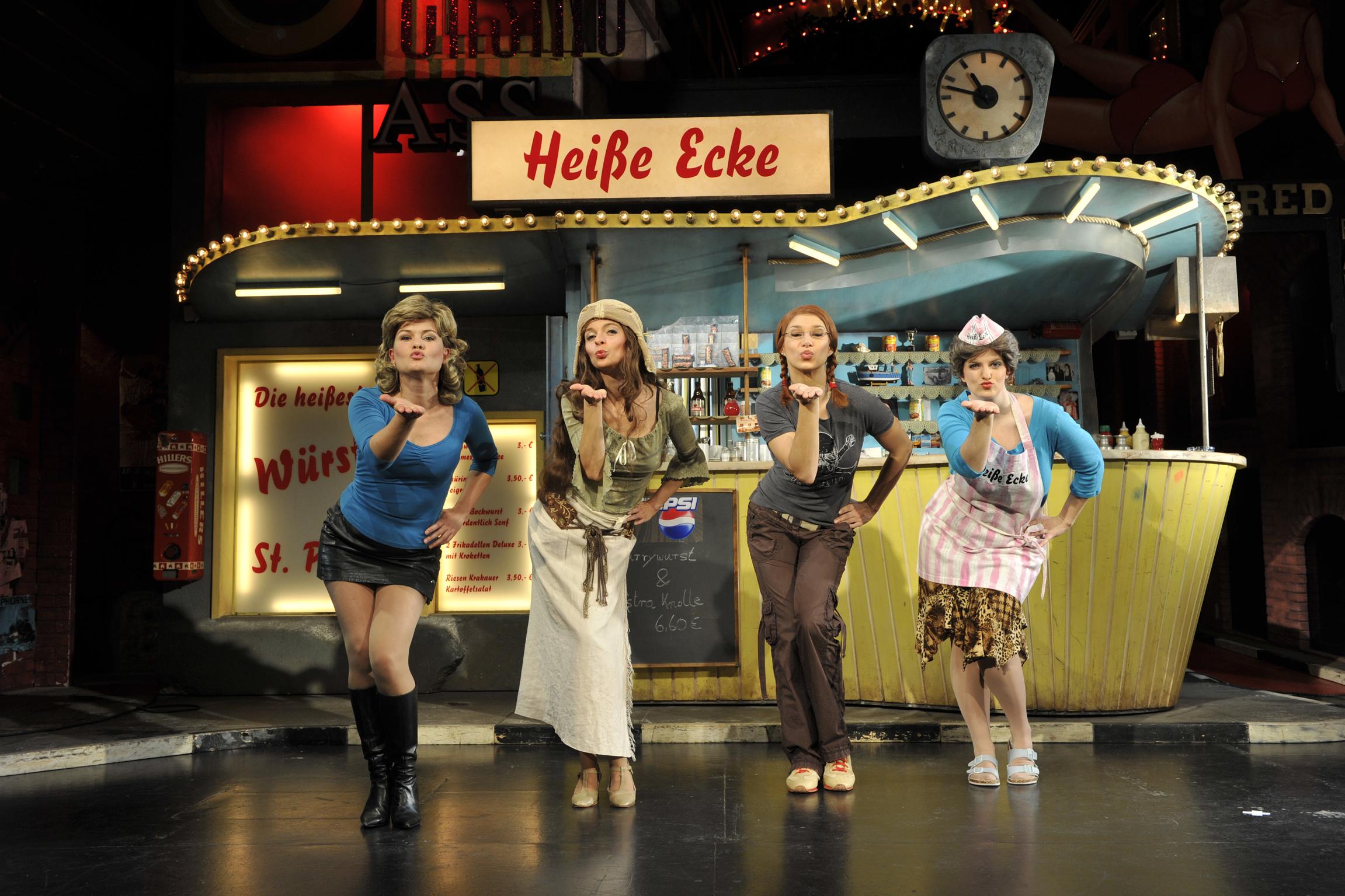 Schauspielerinnen im Musical Heiße Ecke