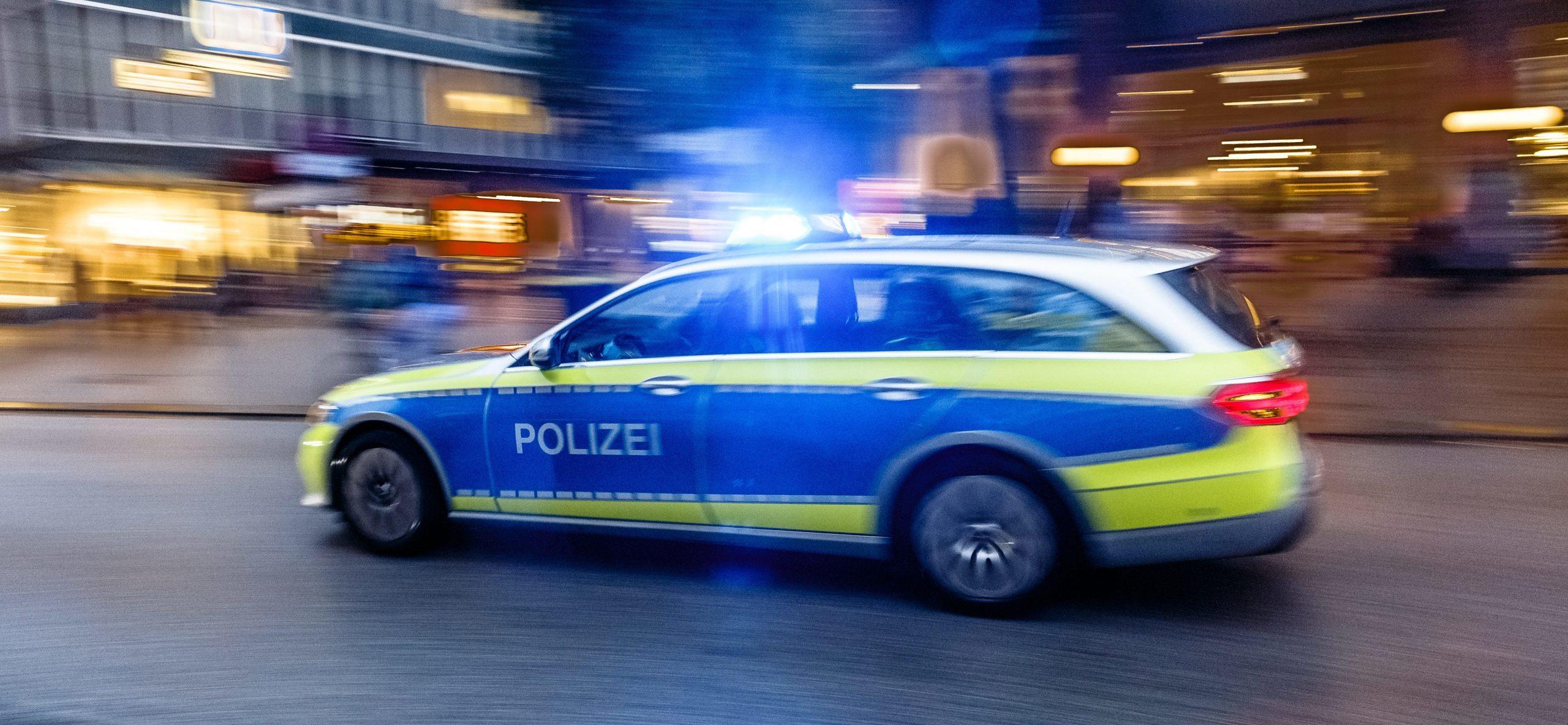 Hamburg: Schwert-Räuber überfällt Tankstelle