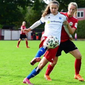 Larissa Mühlhaus (l.) ist mit vier Treffern die erfolgreichste HSV-Torschützin.