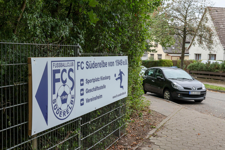 Einfahrt Sportplatz FC Süderelbe