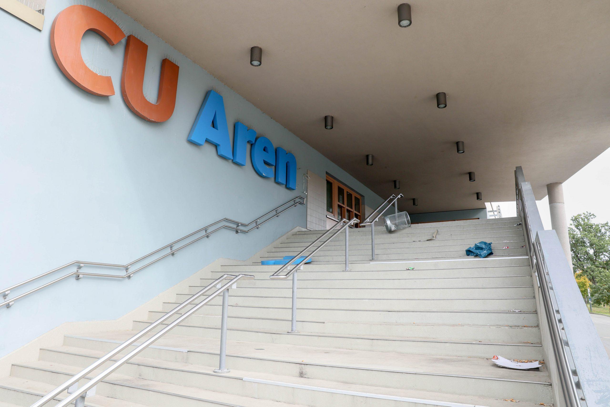 Eingang de CU-Arena Neugraben