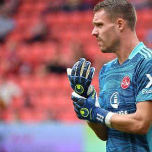 Trotz zuletzt starker Leistungen bekommt Ex-HSV-Torwart Christian Mathenia im DFB-Pokal eine Zwangspause.
