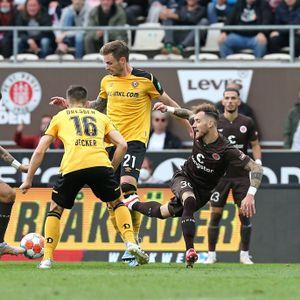 FC St. Pauli gegen Dynamo Dresden