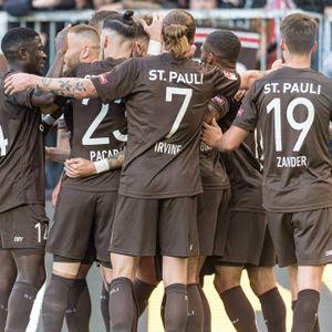 Jubeltraube des FC St. Pauli